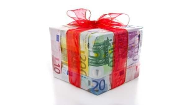 Geld als Hochzeitsgeschenk stilvoll überreicht Sie sind auf eine ...